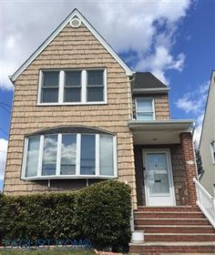 House for sale at 61, Valley Stream-South, NY 11581  - Zaglist.com®