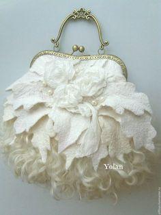 Sueños compartidos Fabric Handbags, Fabric Bags, Unique Purses, Unique Bags, Beaded Clutch, Beaded Purses, Vintage Purses, Vintage Bags, Handmade Handbags