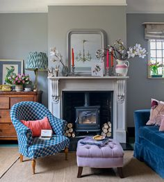 With statement fireplace and beautiful coloured furniture, this Georgian home is not one to miss Georgian Interiors, Georgian Homes, Cottage Interiors, Moroccan Interiors, Cottage Living Rooms, Home Living Room, Apartment Living, Unique Home Decor, Cheap Home Decor