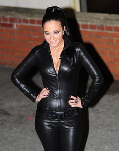 CG Leder Catsuit and Overalls Leather Heels, Leather Pants, Leather Overalls, Tulisa Contostavlos, Mode Latex, Thick Girl Fashion, Leder Outfits, Black Leather Dresses, Crop Top Outfits