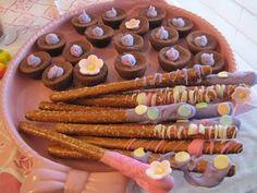 brownies and pretzel sticks