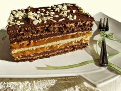 Romanian Desserts, Romanian Food, Mini Desserts, Delicious Desserts, Yummy Food, Sweets Recipes, Cake Recipes, Snickers Cake, Homemade Cakes