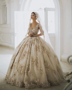 20 Gorgeous Colored Wedding Gowns Fit For A Classic Princess! 20 beautiful colored wedding dresses fit for a classic princess! Classic Wedding Dress, Dream Wedding Dresses, Gown Wedding, Ball Gown Dresses, Bridal Dresses, Colored Wedding Gowns, Quinceanera Dresses, Beautiful Gowns, Pretty Dresses