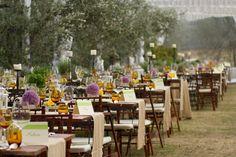 Mise en place per un indimenticabile matrimonio di campagna. Preludio Noleggio, attrezzature per catering eventi. Wedding table setting for your country style wedding in Italy.