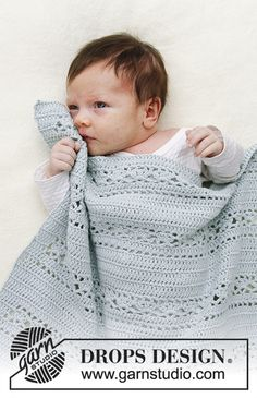 Crochet Baby Blanket Sleepy Times / DROPS Baby - Baby blanket with lace pattern. Blanket is crocheted in DROPS Safran. Baby Knitting Patterns, Crotchet Blanket Patterns, Crochet Patterns Filet, Baby Blanket Crochet, Baby Patterns, Crochet Baby, Free Crochet, Crochet Design, Crochet Double