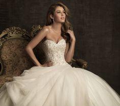 Perfect Wedding Dress!! <3