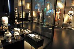 Firenze, città dell'arte rinascimentale e culla dei più famosi atelier italiani, ospita i musei di Gucci e di Capucci. Siamo andati a visita...