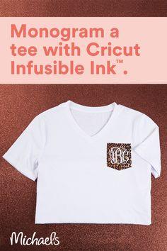 Cricut Air 2, Cricut Vinyl, Monogram T Shirts, Vinyl Shirts, Cricut Tutorials, Cricut Ideas, Circuit Crafts, Cricut Craft Room, Silhouette Cameo Projects