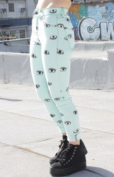 Polka dot pastel kei in 2019 pastell goth outfits, pastell g Pastel Goth Fashion, Kawaii Fashion, Grunge Fashion, Look Fashion, Grunge Outfits, Pastel Goth Clothes, Pastel Goth Shoes, Pastel Pants, Alternative Mode