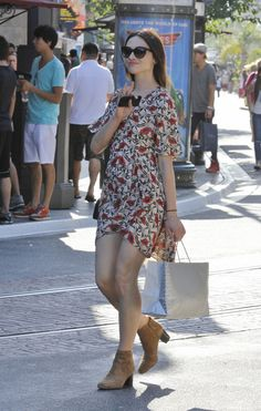 Crystal Reed style: vintage printed dress w/ sunnies & booties