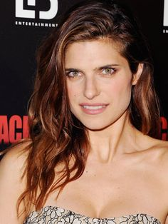 Lake Bell - With hair about 50-75% dry, make a cocktail of moisturizer (Evo Happy Campers Hard-Working Moisturiser) w/a texturizing spray (Evo Salty Dog Cocktail Beach Spray).  Smooth through hair, twist into 1-inch sections.  When hair is completely dry, shake out twists.
