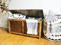 Free building plans to make your own DIY storage chest that is the perfect size for an entryway storage bench, end of the bed trunk or a toy box for kids! Diy Storage Trunk, Diy Storage Boxes, Entryway Bench Storage, Bench With Storage, Bed Storage, Bedroom Storage, Storage Spaces, Storage Chest, Storage Ideas