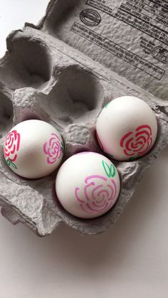 Popular Easter Decor Tips Diy Easter Paintings, Easter Egg Crafts, Bunny Crafts, Easter Decor, Traditional Roses, Easter Egg Designs, Diy Ostern, Easter Traditions, Coloring Easter Eggs