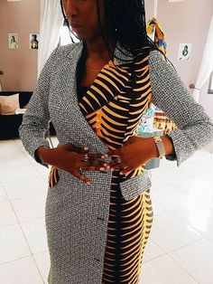 Ladies, get in here! We bring you the latest ankara style catalogue 2018 as e dey hot !😛 There are a lot of modern ankara styles to pick from. So, sit back, relax and feed your eyes on these ankara goodness specially hand picked for you. African Fashion Designers, Latest African Fashion Dresses, African Dresses For Women, African Print Dresses, African Print Fashion, Africa Fashion, African Attire, African Wear, African Prints