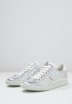... Adidas Gazelle, Adidas Sneakers, Louis Vuitton, Shoes, Fashion, Moda, Zapatos, Louis Vuitton Wallet, Shoes Outlet