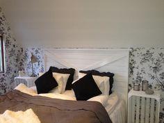 sänggavel,sänggavel vit trä,sovrum