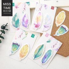 WATERCOLORED FEATHERS STICKY NOTES