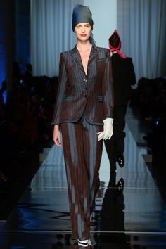 See all the Collection photos from Jean Paul Gaultier Spring/Summer 2017 Couture now on British Vogue Jean Paul Gaultier, Paul Gaultier Spring, Haute Couture Trends, Style Couture, Couture Fashion, Fashion Week, Fashion 2017, Fashion Models, Fashion Show