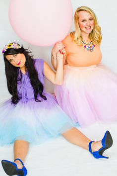 DIY ombre tulle skirts two tone- blue purple, orange pink Diy Tulle Skirt, Girls Tulle Skirt, White Tulle Skirt, Tulle Skirts, Dress Up Outfits, Clothes Crafts, How To Dye Fabric, Orange And Purple, Dress To Impress