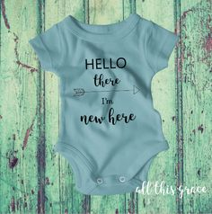 Hello World Onesie - Hello World Onesies - Boho Baby Clothes - Brand New Onesie - Newborn Onesie - Newborn Onesie Gift - Coming Home Outfit  Welcome your newest member home with this adorable Hello Im New Here bodysuit. Perfect for their first trip home, this sweet bodysuit comes in so many colors making it so easy to customize. It would also make a great shower gift!  All bodysuits are 100% cotton. Sizing options are available in the pictures. This design is available as a short or long…
