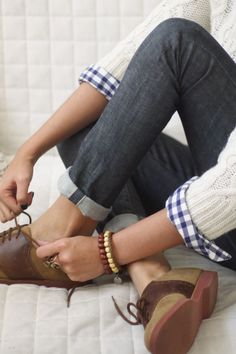 Brown Oxfords, Cuffed Jeans, Blue And White Plaid, And Creamy Cable Knit Sweater. Perfect. - Click for More...