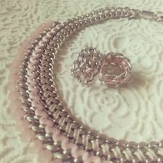 Pastel pink necklace and rings <3 #juniiqjewelry #spring #collection #sweet #pastels #pastelcolors #pastel #statement #necklace #rings #fashion #fashionista #blogger #fashionblogger #Modeblogger #style #trend #juniiq #jewelry #pink #rose