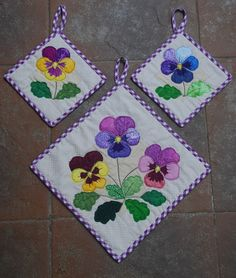 Pansies Applique Potholder Set