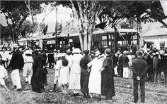 Inauguración del tranvía de Medellín, Octubre 12 de 1921. Coffee Shop Branding, My Ancestry, Roaring 20s, World, Luxury, Paper, Medellin Colombia, Latin America, Barranquilla