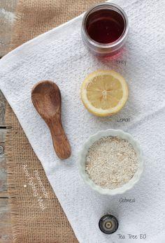 homemade honey oatmeal acne fighting face mask via Homemade Clay, Homemade Face Masks, Simply Natural, Oatmeal Mask, Acne Mask, Skin Mask, Diy Beauty, Beauty Tips, Beauty Tutorials