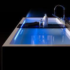 Kartell by Laufen Freestanding Bathtub Laufen Bathroom, Master Bathroom Tub, Bathroom Tub Shower, Modern Bathroom Decor, Chic Bathrooms, Entspannendes Bad, Shower Plumbing, E Piano, Modern Lighting