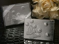 Butterfly Design Compact Mirror              http://www.1weddingsource.com/store/index.php/butterfly-design-compact-mirror