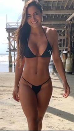 Sexy Bikini, Bikini Girls, Sexy Older Women, Sexy Women, Sexy Hot Girls, Mannequins, Sexy Outfits, Nice, Beach