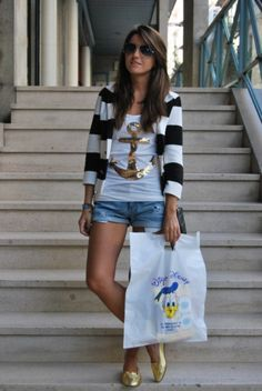 Nautical style...great gold anchor tee