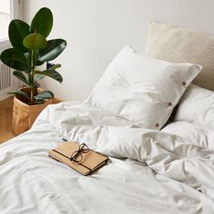 Bedding set made from very soft jersey in light grey mélange colour. The natural fabric allows the skin to breathe and bed linen is pleasant to the touch as your beloved t-shirt. Cotton Bedding, Linen Bedding, Duvet, Bed Linens, Luxury Bedding Collections, Luxury Bedding Sets, Single Bedding Sets, Where To Buy Bedding, Couple Bed