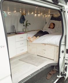 32 mobile home conversion ideas 32 Van Conversion Camper Ideas. The kind of mini van camper you want will be contingent on your finances, vehicle alternatives, and how much work you would like to put in the convers… - Creative Vans T3 Vw, Camper Beds, Camper Curtains, Monospace, Kombi Home, Vw Kombi Van, Caravan Home, Caravan Ideas, Camper Caravan
