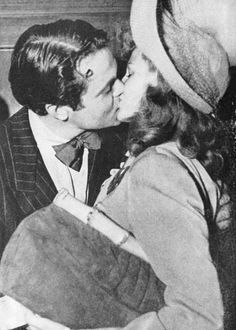 Orson Welles & Rita Hayworth https://www.facebook.com/pages/Orson-Wells/409831145894894