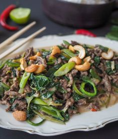 Rask Thaiwok med kjøttdeig - Hyggelig mat Mince Meat, Wok, Nom Nom, Food And Drink, Beef, Recipes, Meat, Ripped Recipes