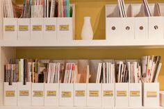 Organizador de revistas para uma estante arrumada. ;)