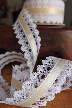 White Lace with Ivory Satin Ribbon 1.5 width  x  9yd  Ochtersum Lace Ribbon