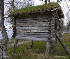 This is a Sami storeroom (Áittit in Sami, stabbur in Norwegian) in northern Norway. The Sami people are the indigenous Scandinavians who live in across Norway, Sweden, Finland and north western Russia. For the nomadic Sami storerooms were built to return to as they moved from place to place herding reindeer. These storerooms were tucked away, safe, in remote locations. Visit www.naturalhomes.org to find out more...