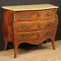 1550€ French inlaid dresser with marble top. Visit our website www.parino.it #antiques #antiquariato #furniture #inlay #antiquities #antiquario #comò #commode #dresser #chest #drawer #golden #gold #decorative #interiordesign #homedecoration #antiqueshop #antiquestore