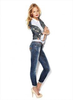 Skinny Jeans for Women in Blanco Denim Autumn-Winter Campaign 2017