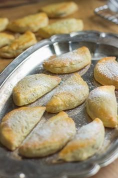 Maire mummun kermaiset joulutortut - Sweet Food O´Mine Christmas Sweets, Christmas Baking, Everyday Food, Sweet And Salty, Yummy Cakes, Sweet Recipes, Baking Recipes, Easy Meals, Food And Drink