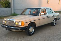Bid for the chance to own a 1982 Mercedes-Benz at auction with Bring a Trailer, the home of the best vintage and classic cars online. Mercedes 240, Mercedes Benz Canada, Mercedes Benz Service, Classic Mercedes, Mercedes Benz Cars, Air Conditioning Services, Range Rover Classic, Import Cars, Auto Service