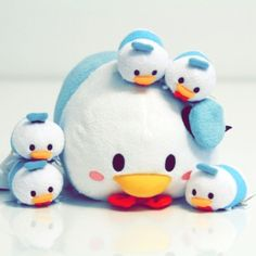 I need this in my life!!   Donald Duck Tsum Tsum Plush Toy