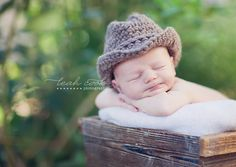 I want this little hat for Liam!  Country newborn