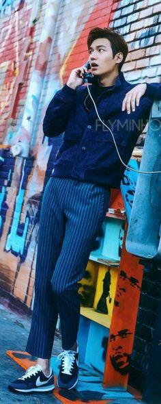 Can you hear me noow? Asian Actors, Korean Actors, Korean Idols, Korean Drama, Lee Min Ho Shirtless, Lee Min Ho Kdrama, Lee Min Ho Photos, V Bts Cute, Jimin