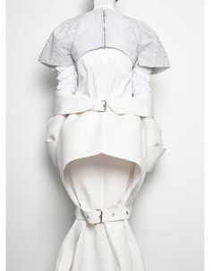 Conceptual Fashion Design with a sculptural silhouette, using layers of white + buckles to explore the idea of restriction // Patrik Guggenberger 3d Fashion, White Fashion, Fashion Details, Womens Fashion, Fashion Design, Structured Fashion, Conceptual Fashion, Conceptual Design, Straight Jacket