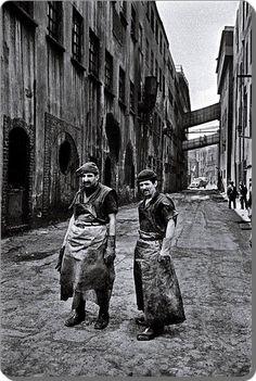 Leather workers of Zeytinburnu district, Istanbul. 1970