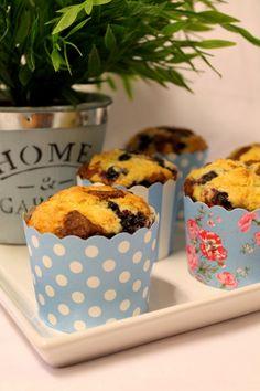 Kakkuviikarin vispailuja!: Mustikkamuffinssit kanelicrumblella